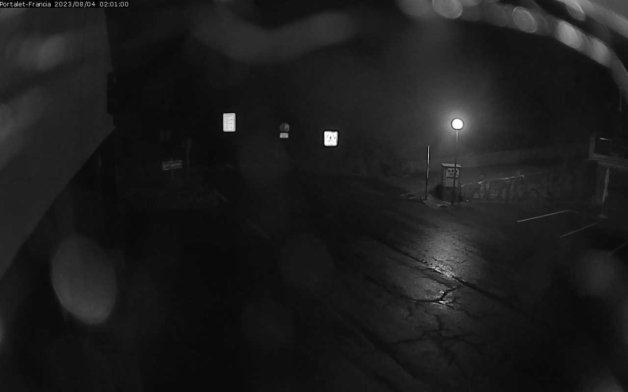 Webcam au col du Pourtalet dans la montagne d'Aneu à la frontière entre la France et l'Espagne à 1800 mètres d'altitude